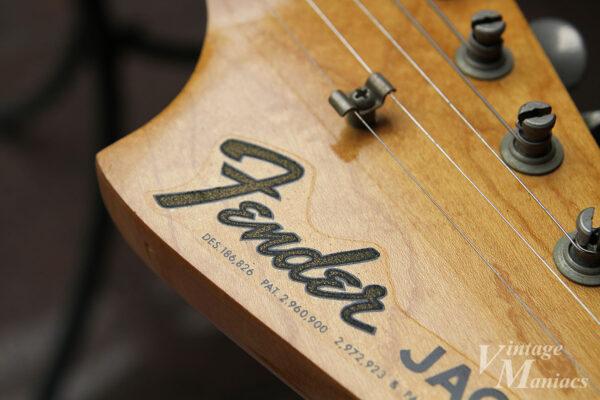 Fenderロゴのデカール