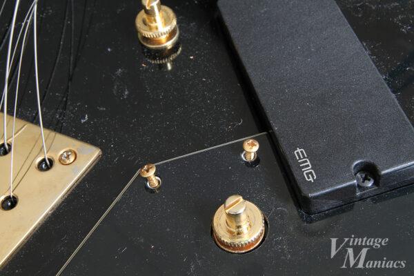 7弦フライングVのブリッジポスト