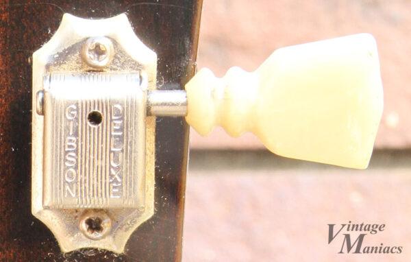 Gibson Deluxe刻印のペグ